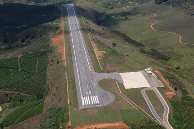 https://www.mutumonline.com/site/todas-as-categorias/geral/721-aeroporto-de-manhuacu-comeca-a-operar-no-dia-02-de-novembro